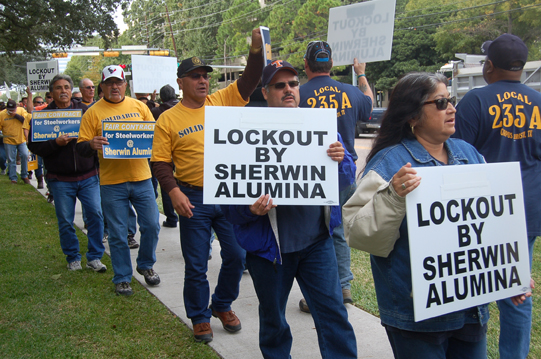 USW, Allies Rally in Houston, Call for End to Sherwin Lockout
