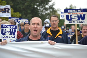 Successful Rally for USW Local 7-669 Members
