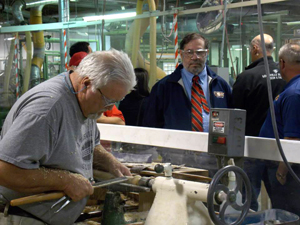 USW President visits Members Who Make the Louisville Slugger
