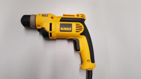 DeWALT recalls drills due to shock hazard 1